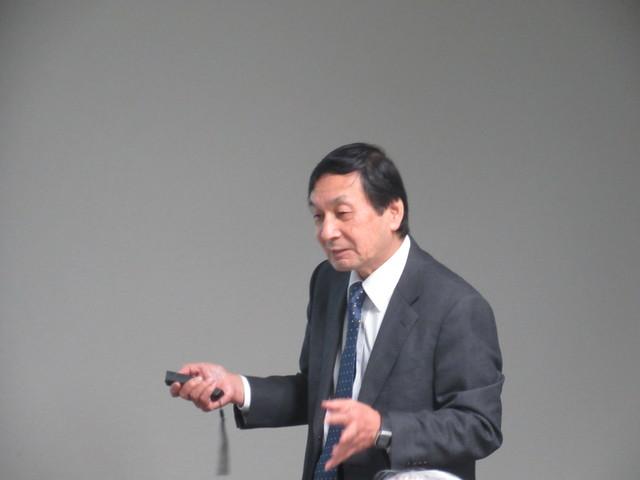 講師の西堀賢司上席研究員